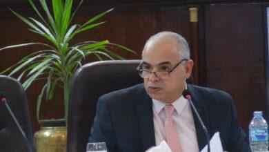 صورة الدكتورعبد الحميد شرف الدين يتحدث عن المشكلة السكانبة واثرها على التنمية بمؤتمر الزيادة السكانية