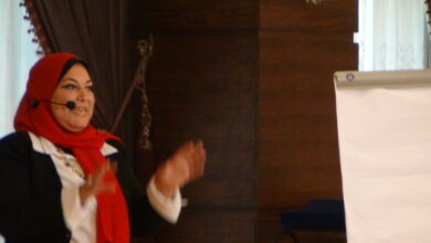صورة الاستاذة هالة اسماعيل اخصائى تعديل السلوك تقدم نصائح لمواجهة المشكلات خلال مؤتمر تنمية المراة المصرية