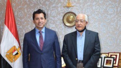صورة أشرف صبحي يستقبل وزير الرياضة الأسبق بمقر الوزارة