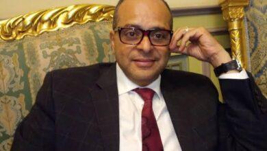 Photo of الطبيب المكلف من الرئيس لاجراء جراحة لمريض السمنة