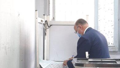 صورة اللواء خالد عبد العال يدلي بصوته في انتخابات مجلس الشيوخ