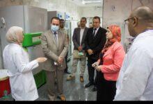 صورة زيارة عميد زراعةالقاهرة للمعمل المركزي لتحليل متبقيات المبيدات والعناصر الثقيلة فى الاغذية